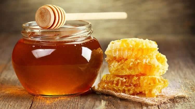 Tác dụng không ngờ của mật ong với sức khỏe và làm đẹp